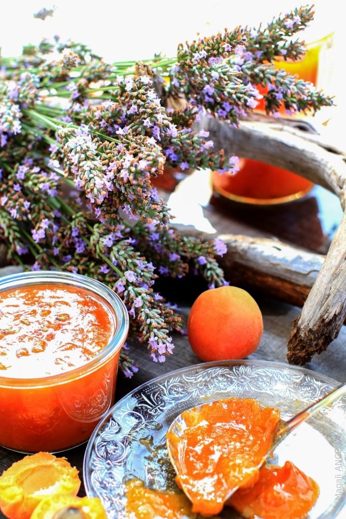 confiture abricots lavande