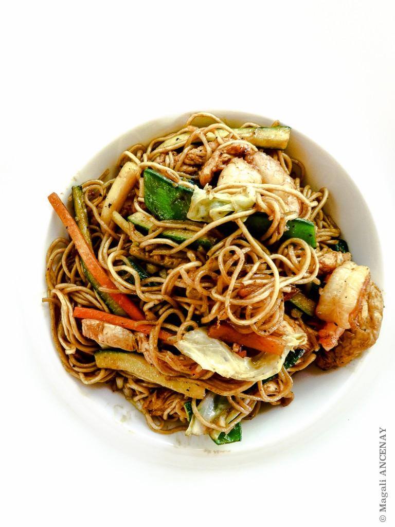 Nouilles asiatiques, poulet et crevettes