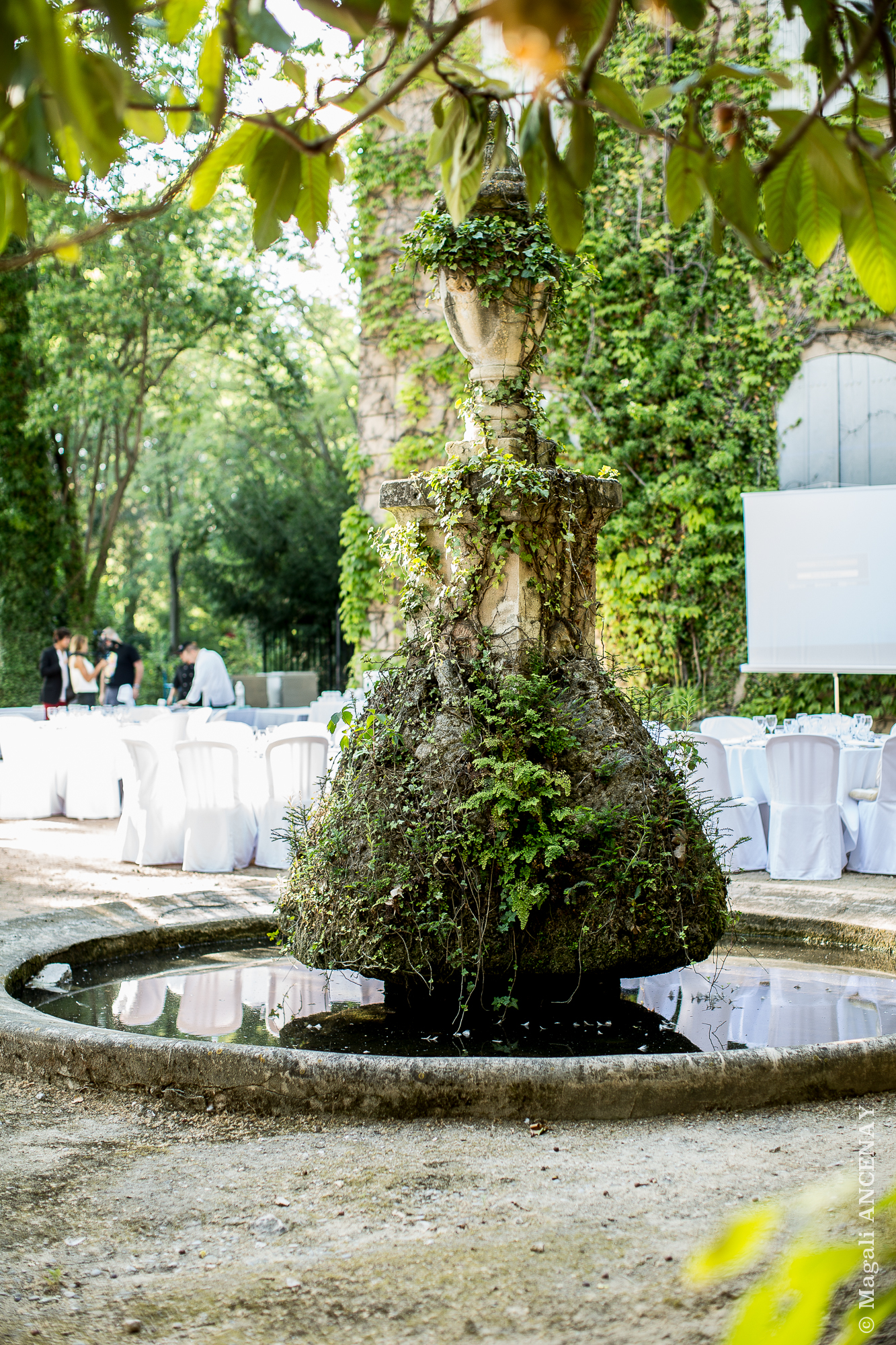 Go tez voir chez c zanne la bastide du jas de bouffan for Bastide au jardin secret