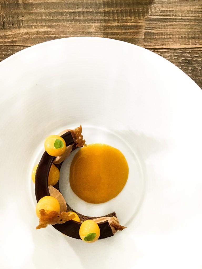 Dessert choco- mangue, passion création de la pâtissière Anne-Sophie Bercet