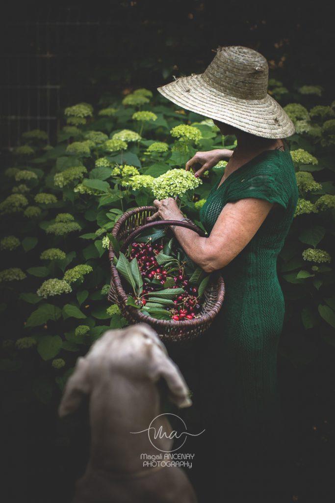 Cueillette des cerises du jardin - Magali ANCENAY Agency, Photographe Culinaire