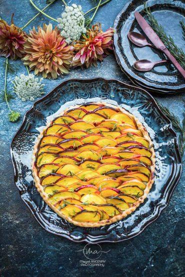 Tarte Pêches Romarin Citron vert - Magali ANCENAY photographe culinaire