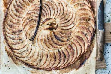 Tarte aux pommes fine et croustillante